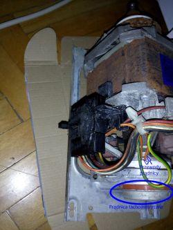 Pralka Mastercook PTE840 - Pralka wydawała swąd spalenizny, wywalała korki.