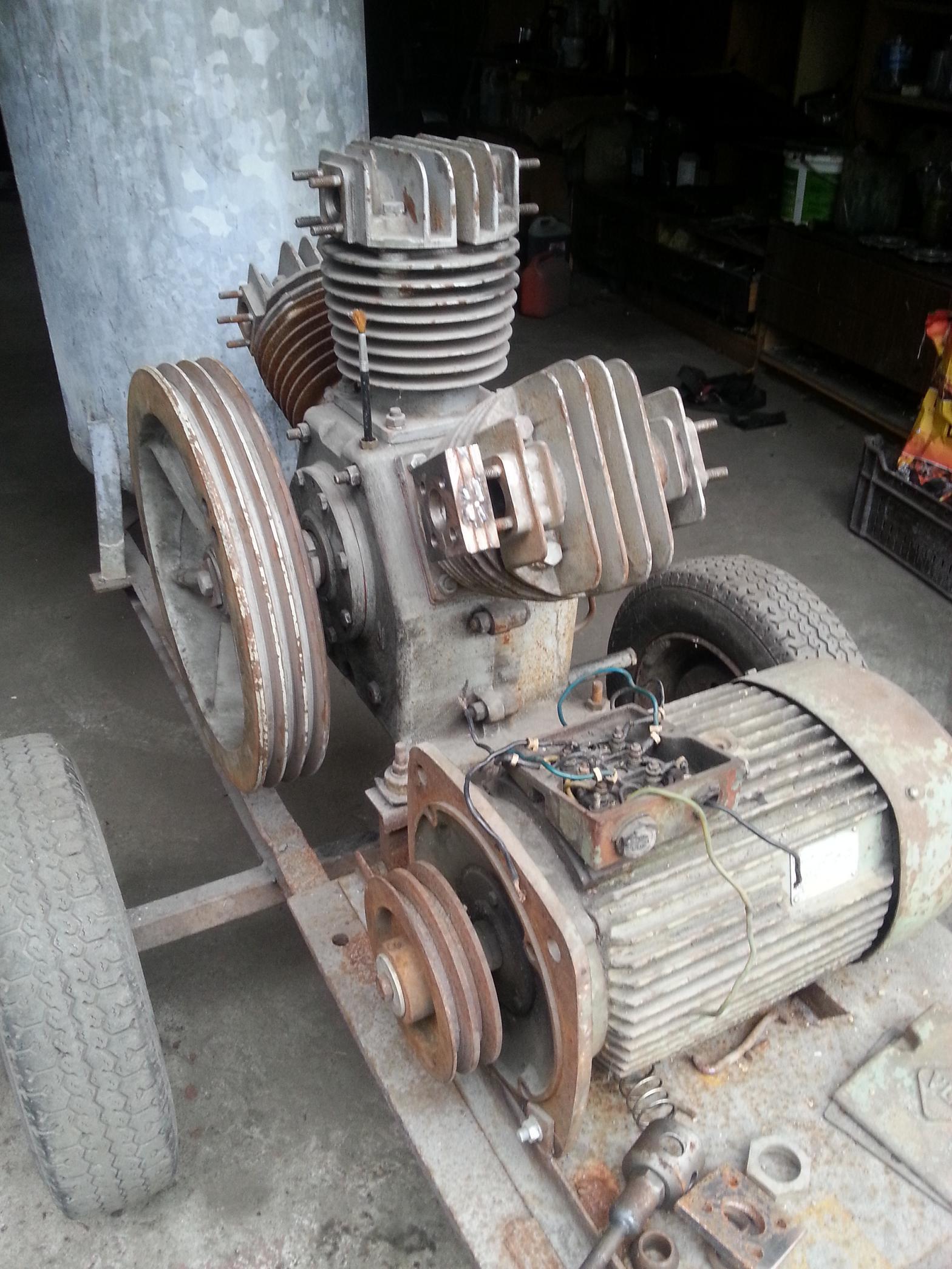 Silnik asynchroniczny o 2 predkosciach obrotowych Ua Ub Va Vb Wa Wb
