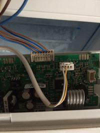 Electrolux ERN29790 - wyłącza się