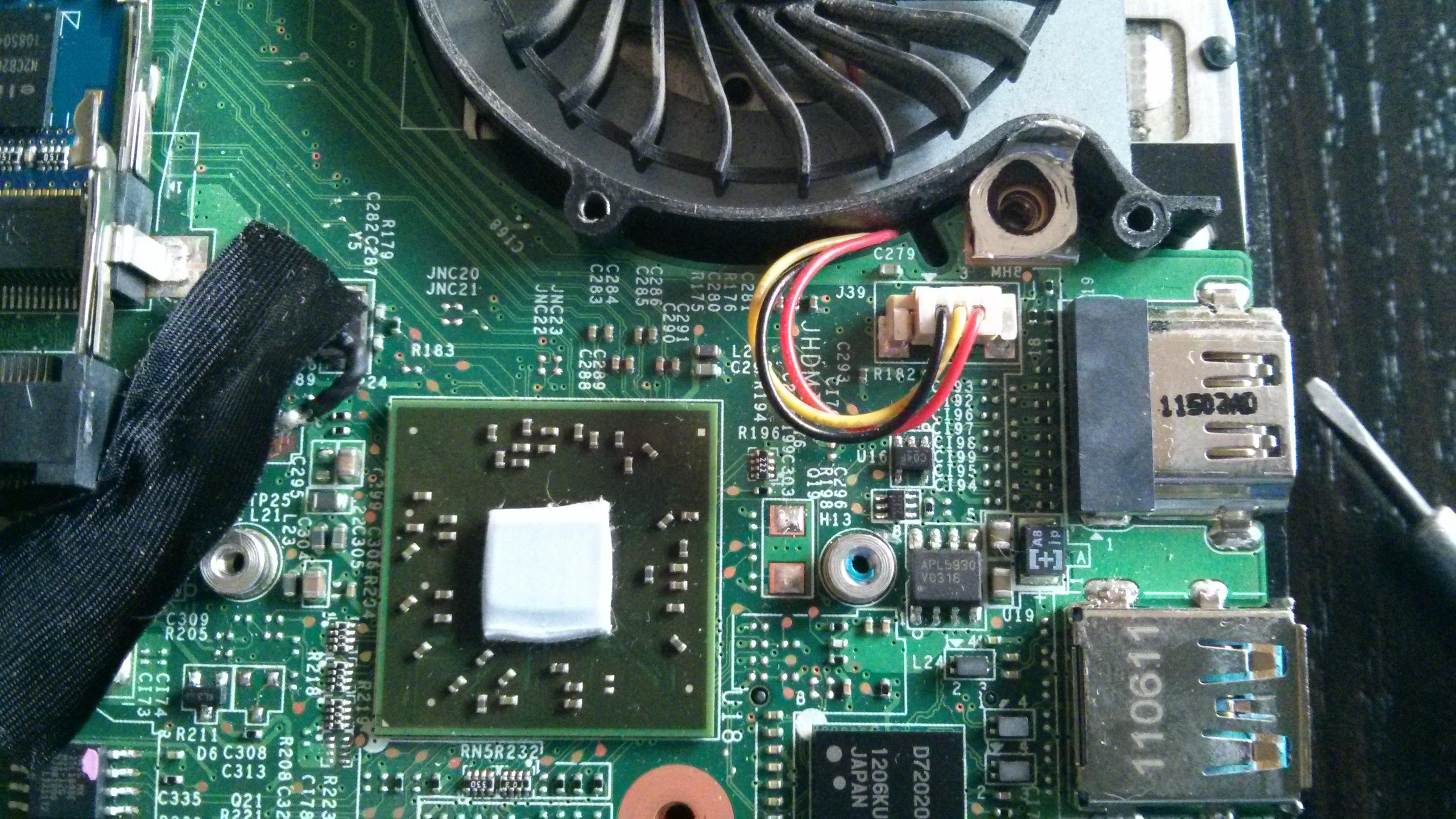 MSI u270 - Pasta czy termopad. Wysokie temperatury podczas pracy.