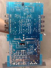 Dodatnie napi�cie na masie wej�cia wzmacniacza MAc Audio ZX 1000