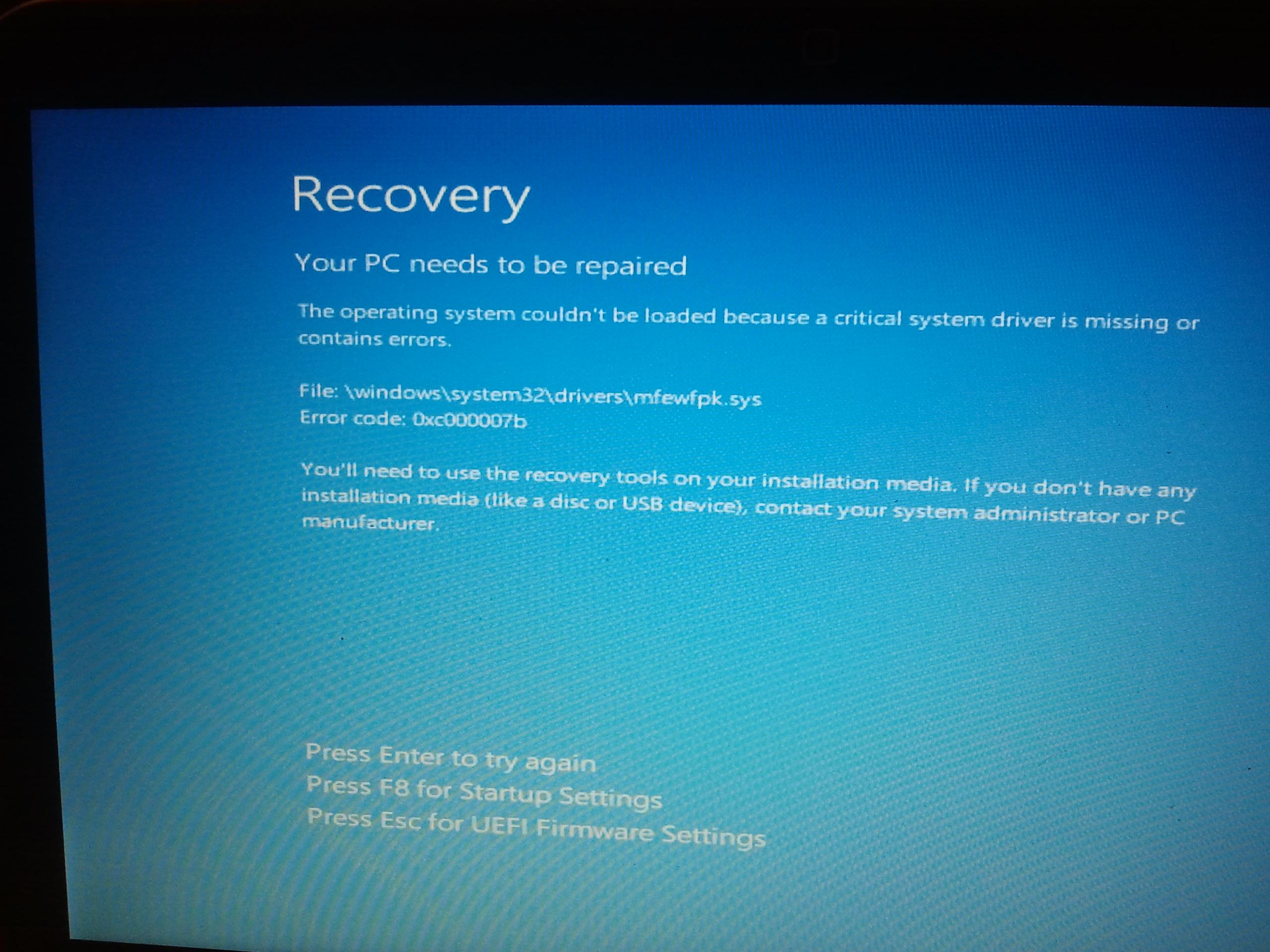 Dell Inspiron 15z - system windows 8 nie w��cza si�