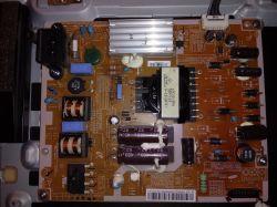 Samsung 32UF5300 - Ciemny ekran