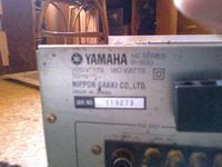 Yamaha R300 - Trzeszczy, gra cicho, działa tylko jeden kanał