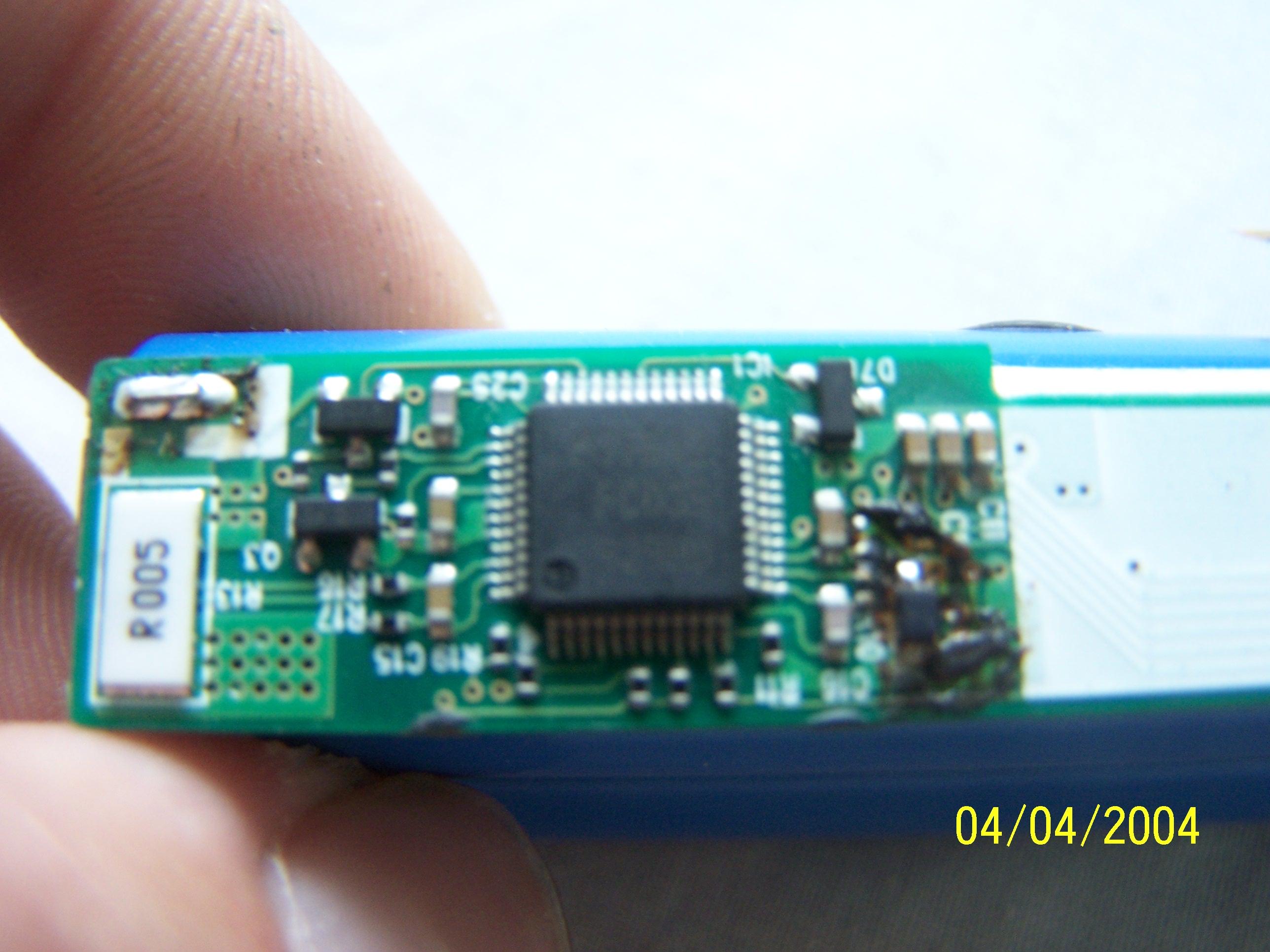M37512 - regeneracja akumulatora - jaki interfejs I2C?