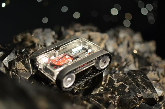 RK-1 - mobilny i bezprzewodowy robot Arduino sterowany z iOS lub Androida
