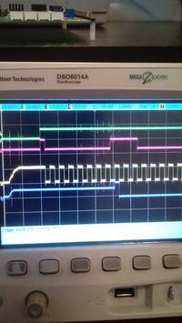 Lattice LC4512V-75TN176C - Termometr DS1722 komunikacja SPI