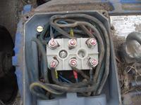 Silnik tr�jfazowy buczy i nie rusza a s� 3 fazy!