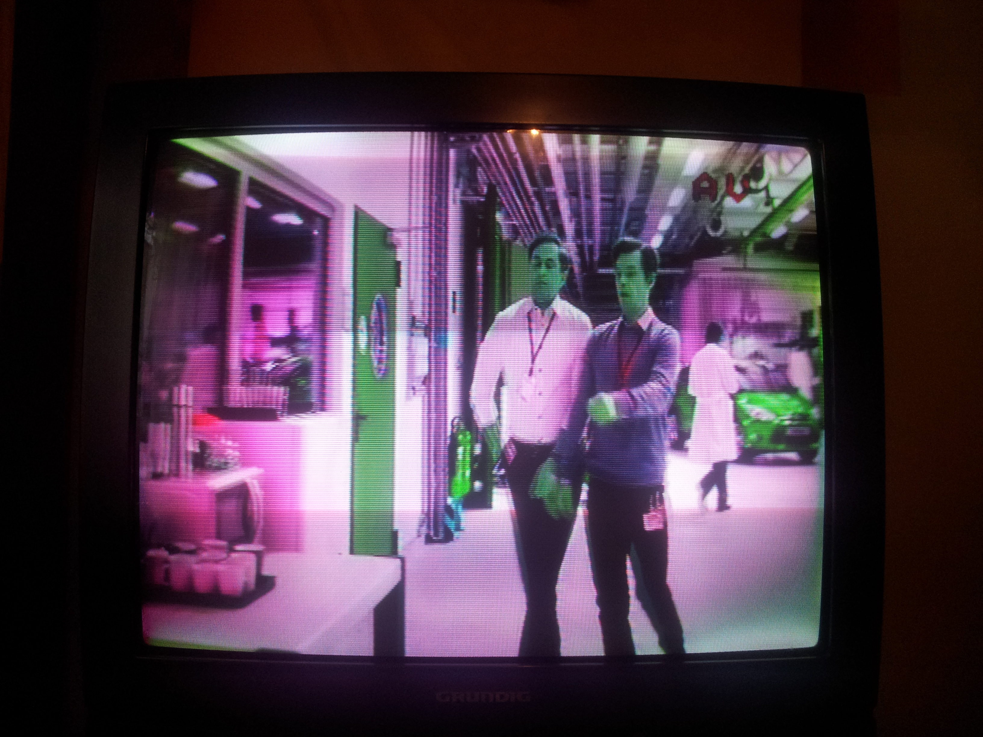 TV Grundig T70-640 oirt (cuc6310) odwr�cone kolory