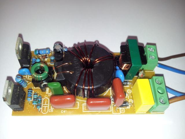 MET01-60W - Brak napi�cia w obwodzie wyj�ciowym transformatora elekronicznego