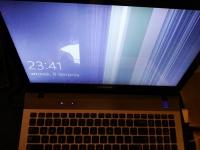 Samsung QX511 - Ekran nie działa poprawnie, paski pionowe na ekranie.