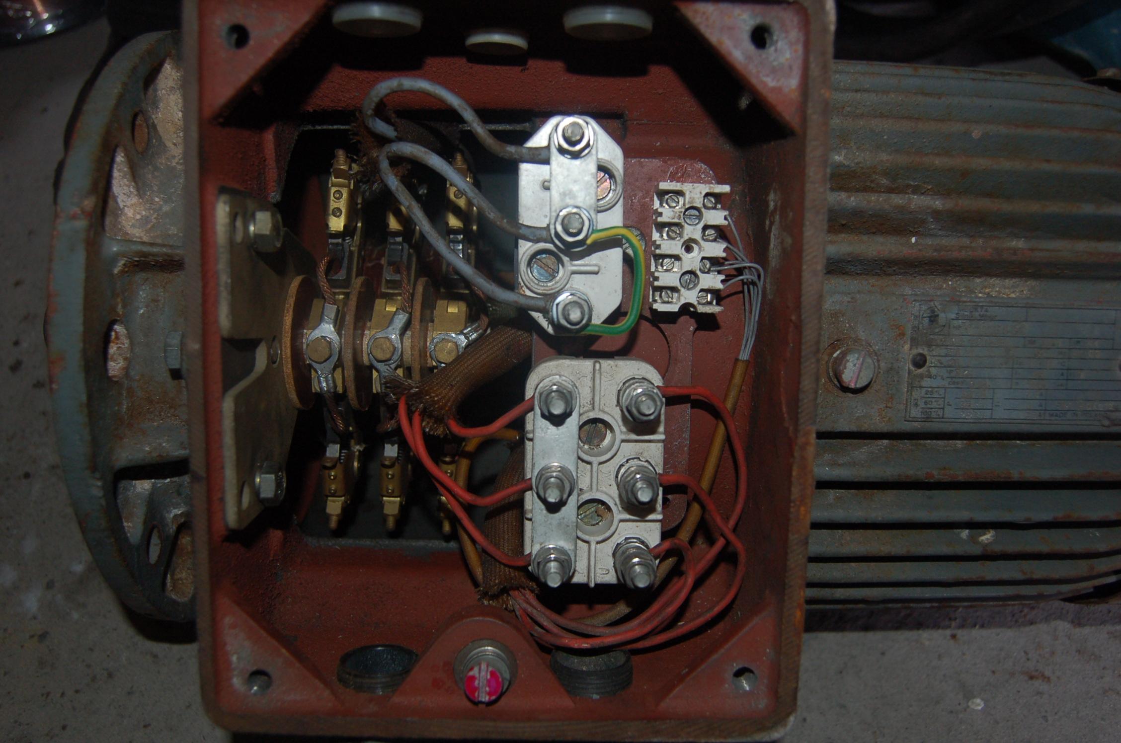 Silnik pier�cieniowy jako pr�dnica 3-fazowa