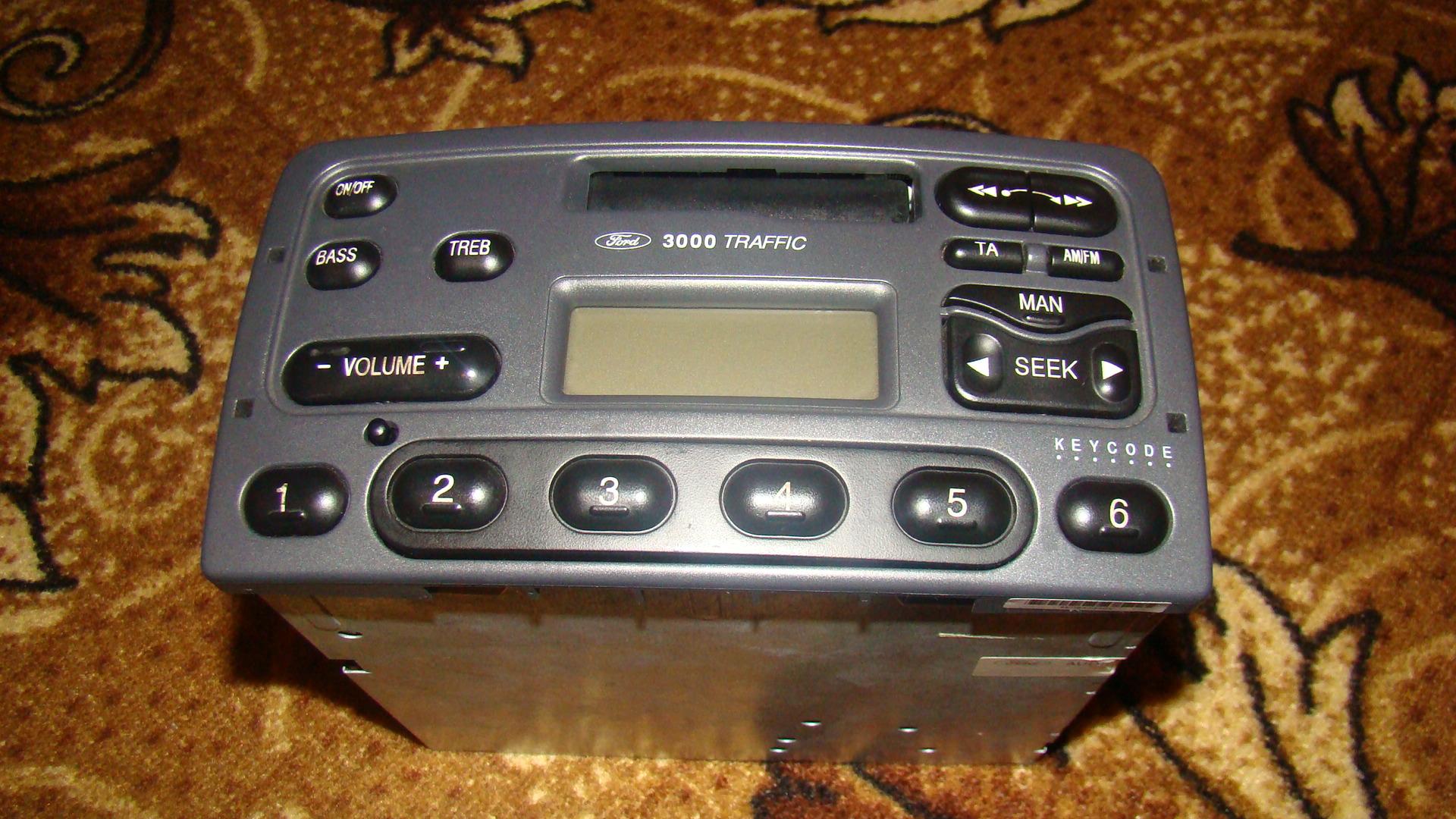 [Sprzedam] Fabryczne radio - kasetowe  FORD 3000 TRAFFIC