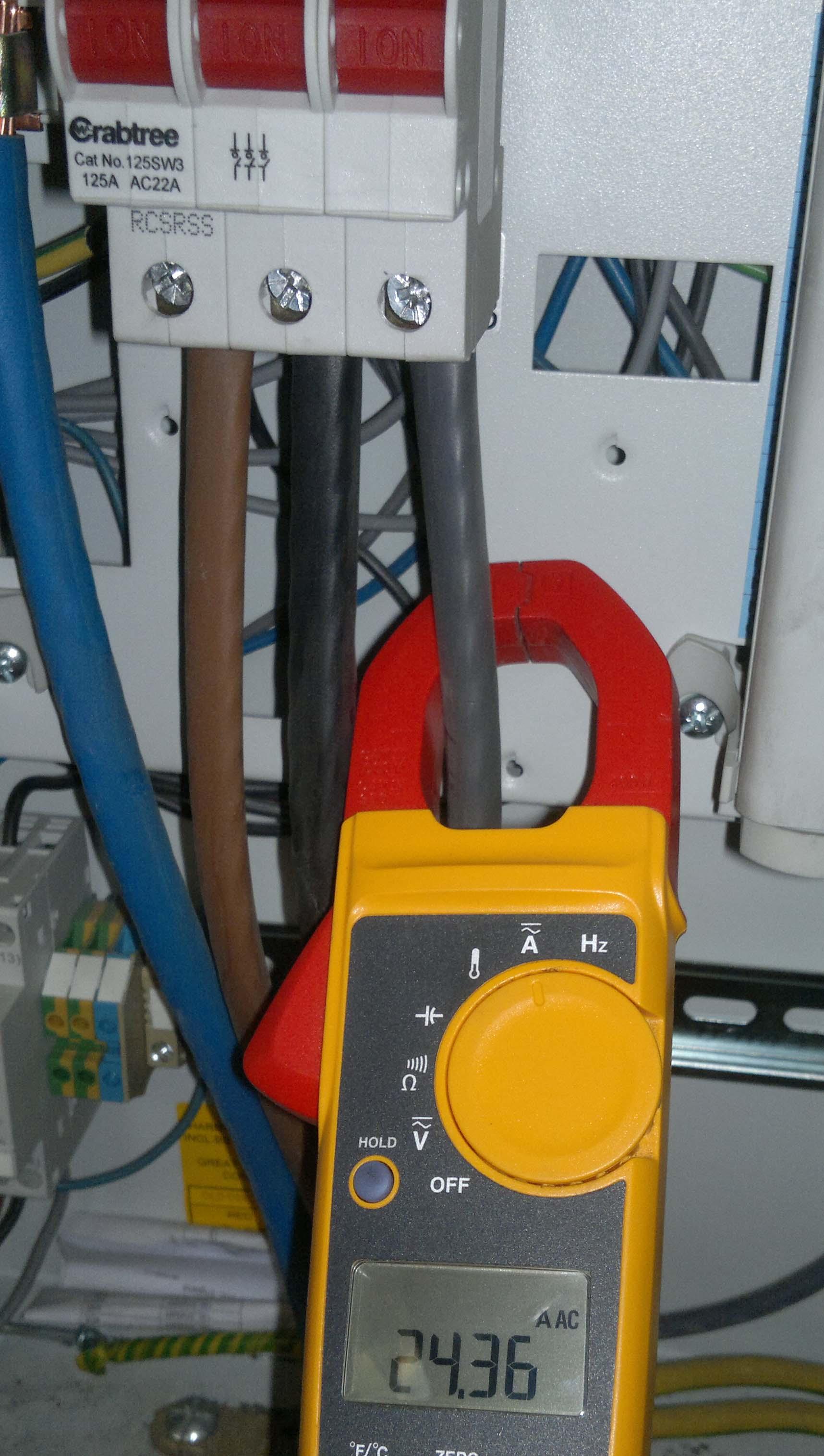 Dob�r bezpiecznik�w w instalacji - sp�r z klientem.