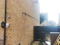Instalacja gniazd elektrycznych w budynku gospodarczym