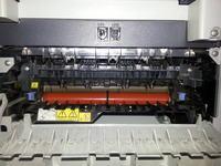 Brother 7820N - zator papieru na wyjściu, zwija papier