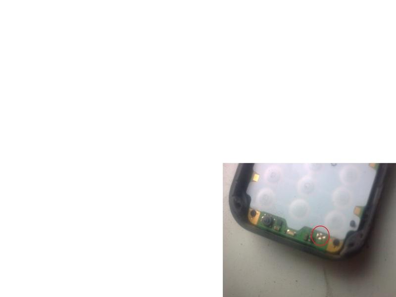 Nokia 6030 nie �aduje , ma wyrwany glass