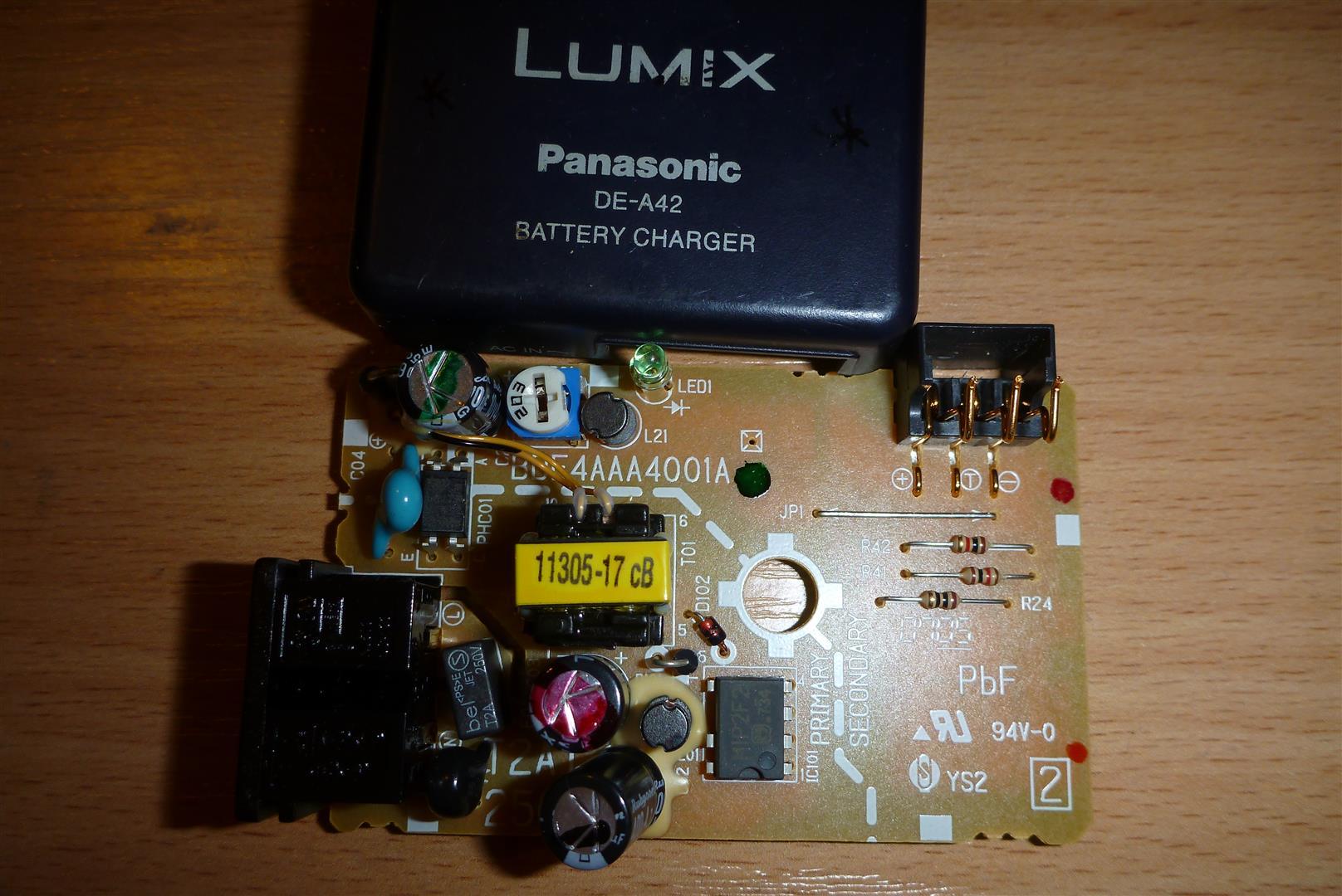 �adowarka Panasonic DE-A42 - Jak j� zmusi� do �adowania innych Li-ion np 18650