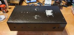 """Zmodyfikowany klon Fender """"Champ"""" AA764 na lampach oktalowych."""