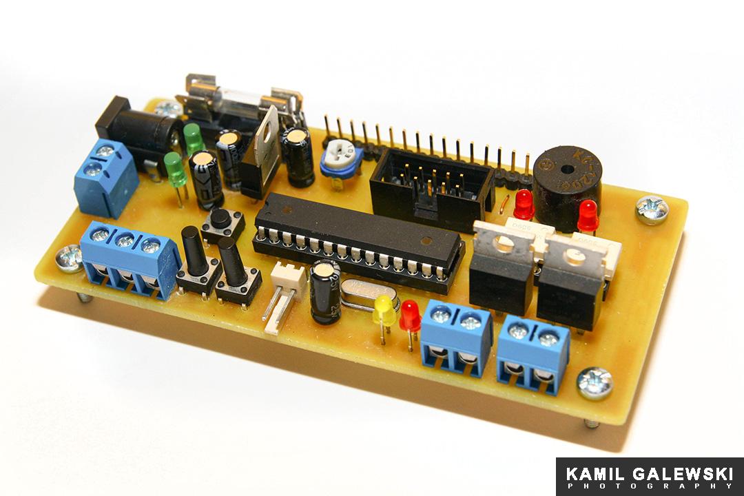 Termostat, uniwersalny sterownik urz�dze� ~230V