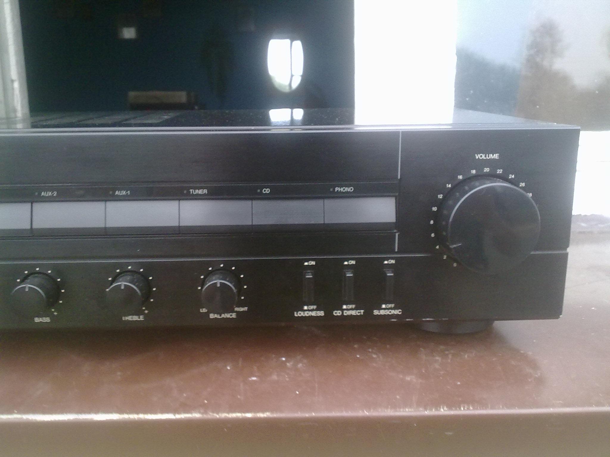 [Sprzedam] Wzmacniacz, magnetofon, kompakt i g�o�niki