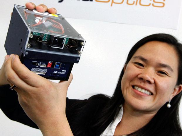 Optyczny zoom do aparat�w w smartfonach firmy DynaOptics