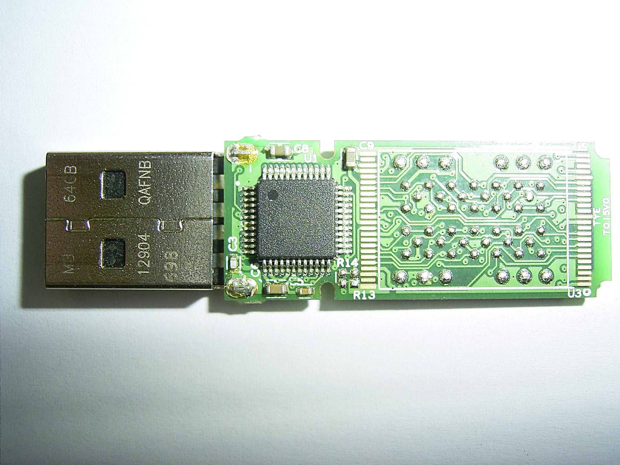 Platinet 64GB - Uszkodzony pendrive po podpi�ciu do gniazda USB