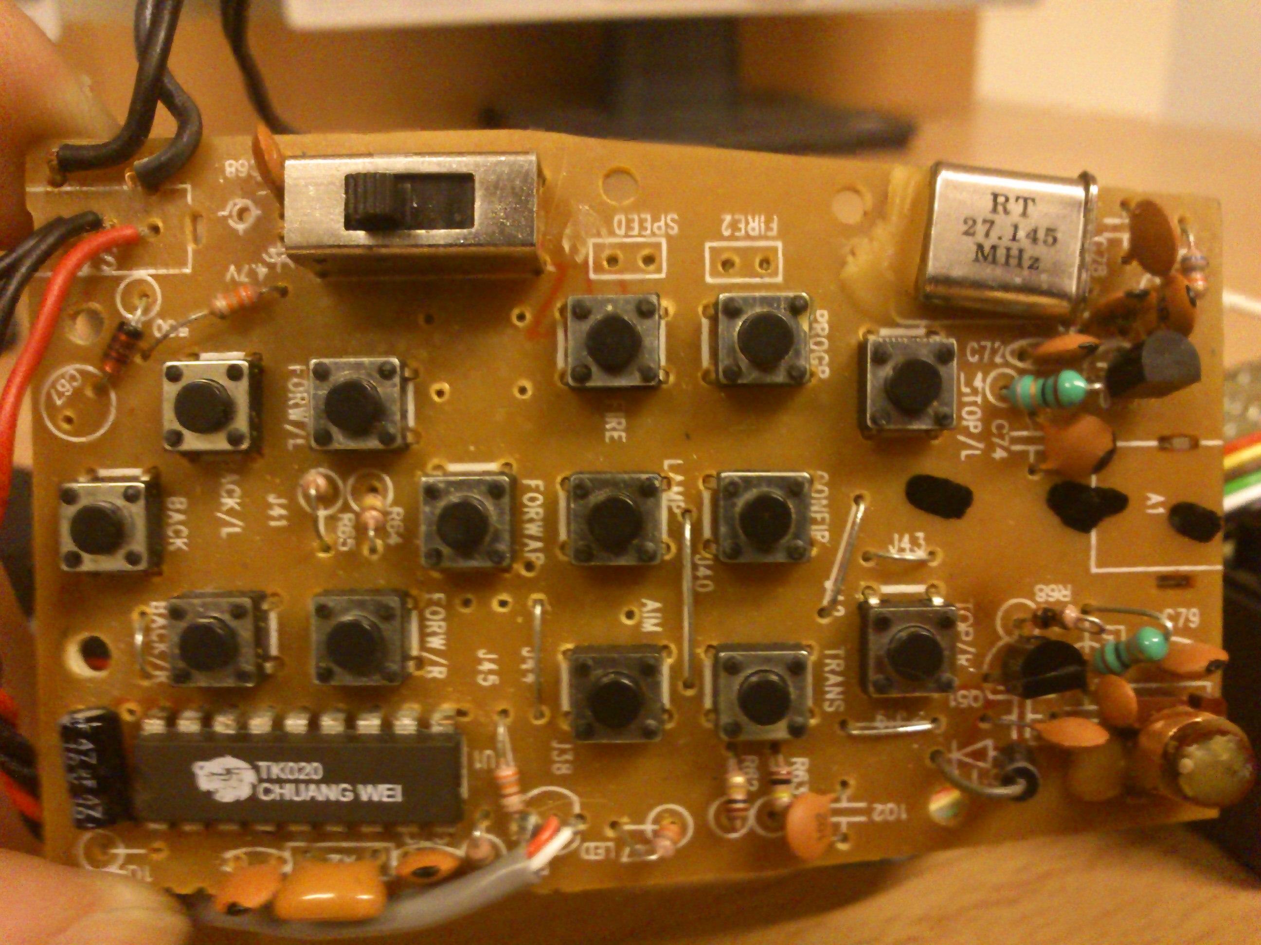 chi�ski mikroprocesor z oznaczeniem TK 020 aparatura RC, 27.145 MHz