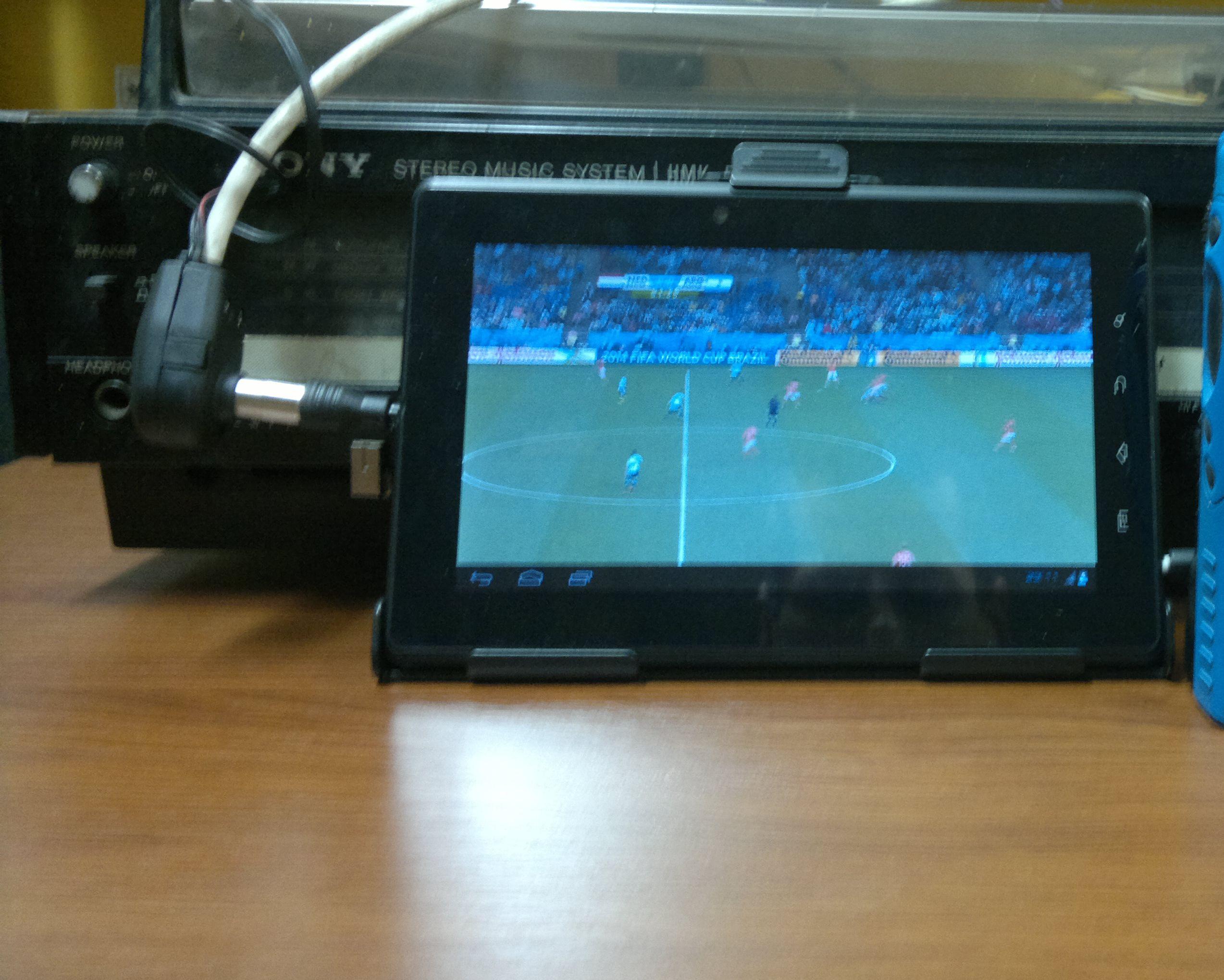Goclever Tab T76 GPS - Nie �apie sygna�u DVBT, Brak kolor�w w grach.