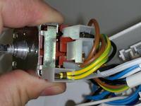 Lodówka zanussi zfk62/23rf żarówka świeci tylko jak chodzi agregat