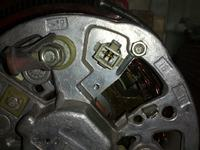 Alternator  -  Pod��czenie regulatora napi�cia (r�ne oznaczenia)