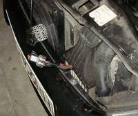 Astra II 2.0DTI 2000r co to za kabel koło wentylatorów?