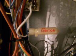 Piekarnik Electrolux EOB64201X - wyłącza się