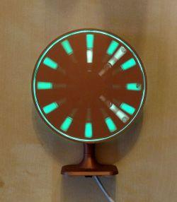 Zegar widmowy z paskami LED RGB i napędem z wentylatora