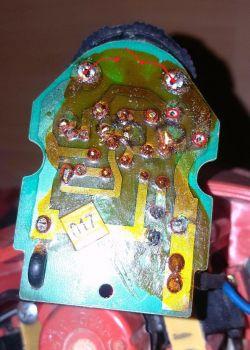 Uszkodzony regulator obrotów frezarki Black&Decker KW 900E
