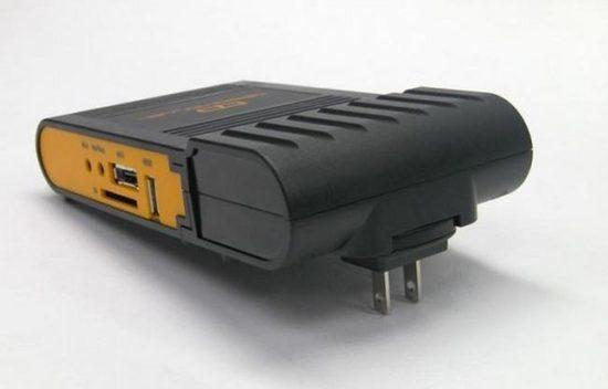 Dreamplug - mini komputer w obudowie wtyczkowej?