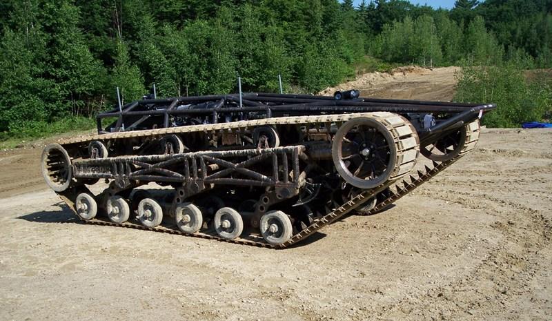 Pojazd g�sienicowy. Problem z konstrukcj� uk�adu sterowania.