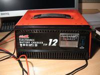 Ładowanie akumulatora prostownikiem - pytanie