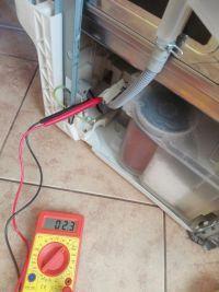 AEG Elektrolux Favorit 60010 - Nie pobiera wody a czas idzie bez kodu błędu