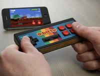 iCade 8-bitty - bezprzewodowy kontroler do gier dla iPhone i iPad