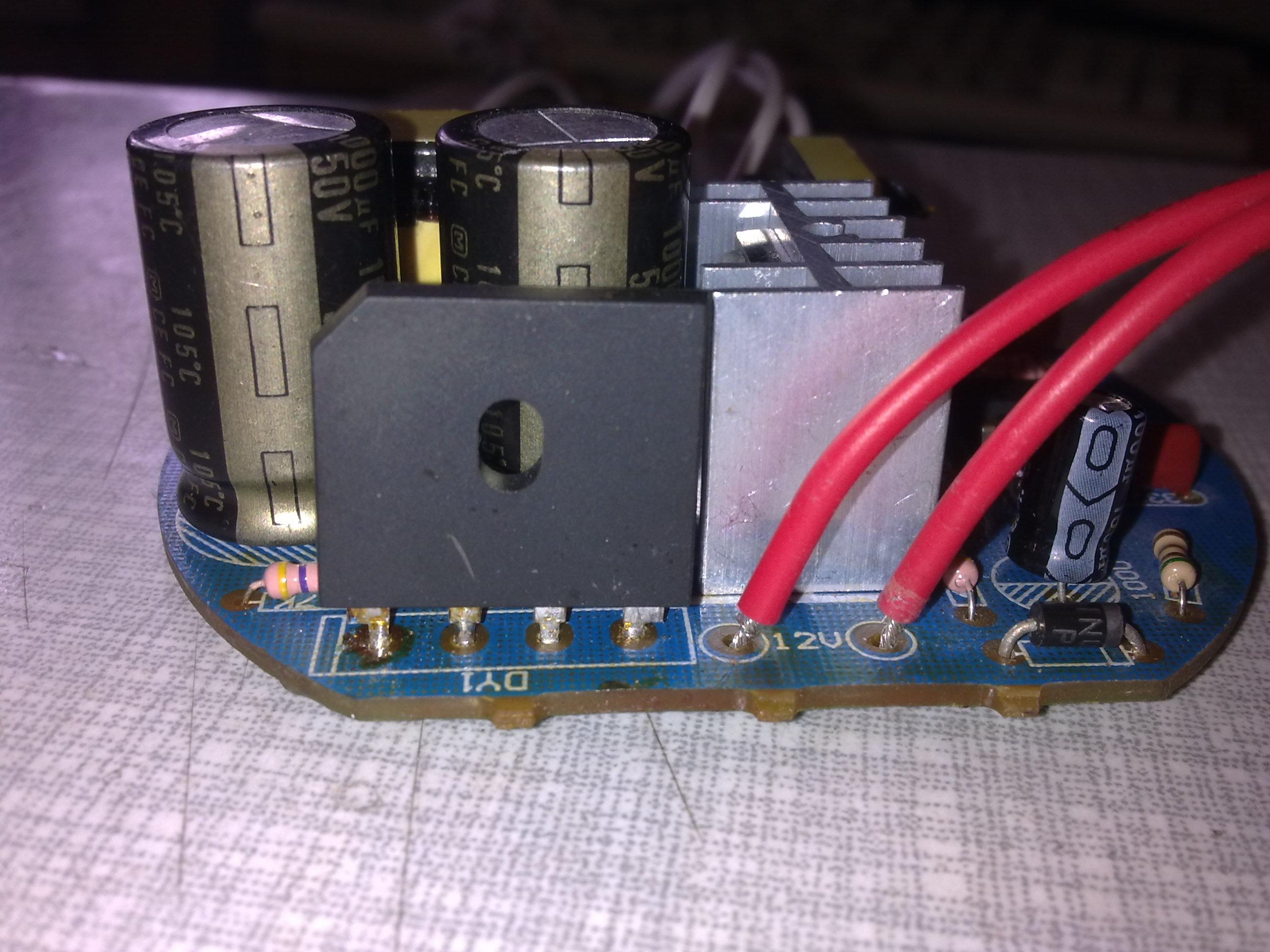 Elektroniczny starter do �wietl�wki na 12V