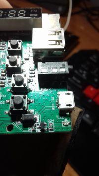 Gniazdo micro usb w modelu głośnika Media-tech mt3145 nie ładuje.