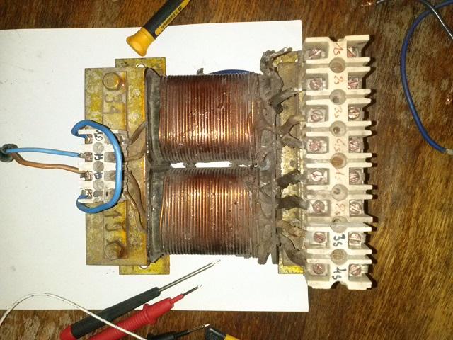 Zesp� spalinowo-elektryczny - Transformator 60*C na ja�owo
