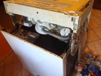 Zmywarka Bosch SGI45M75EU - silnik pompy myj�cej buczy.