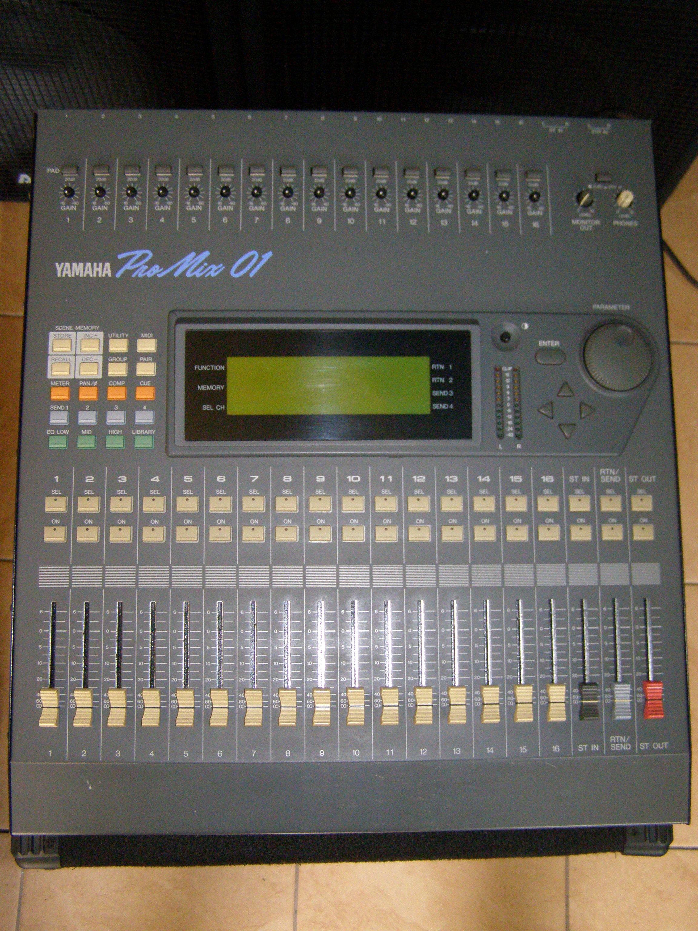 [Sprzedam] Mikser Yamaha ProMix 01 Cyfrowy zamieni�