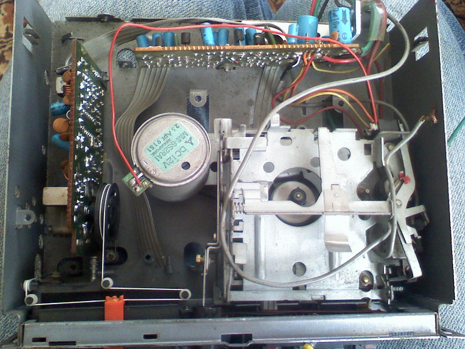 Radioodtwarzacz samochodowy Satellite AJ-786LW przestrojenie