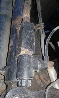 pompa wywrotu/windy - opuszczanie skrzyni/ cofnięcie oleju