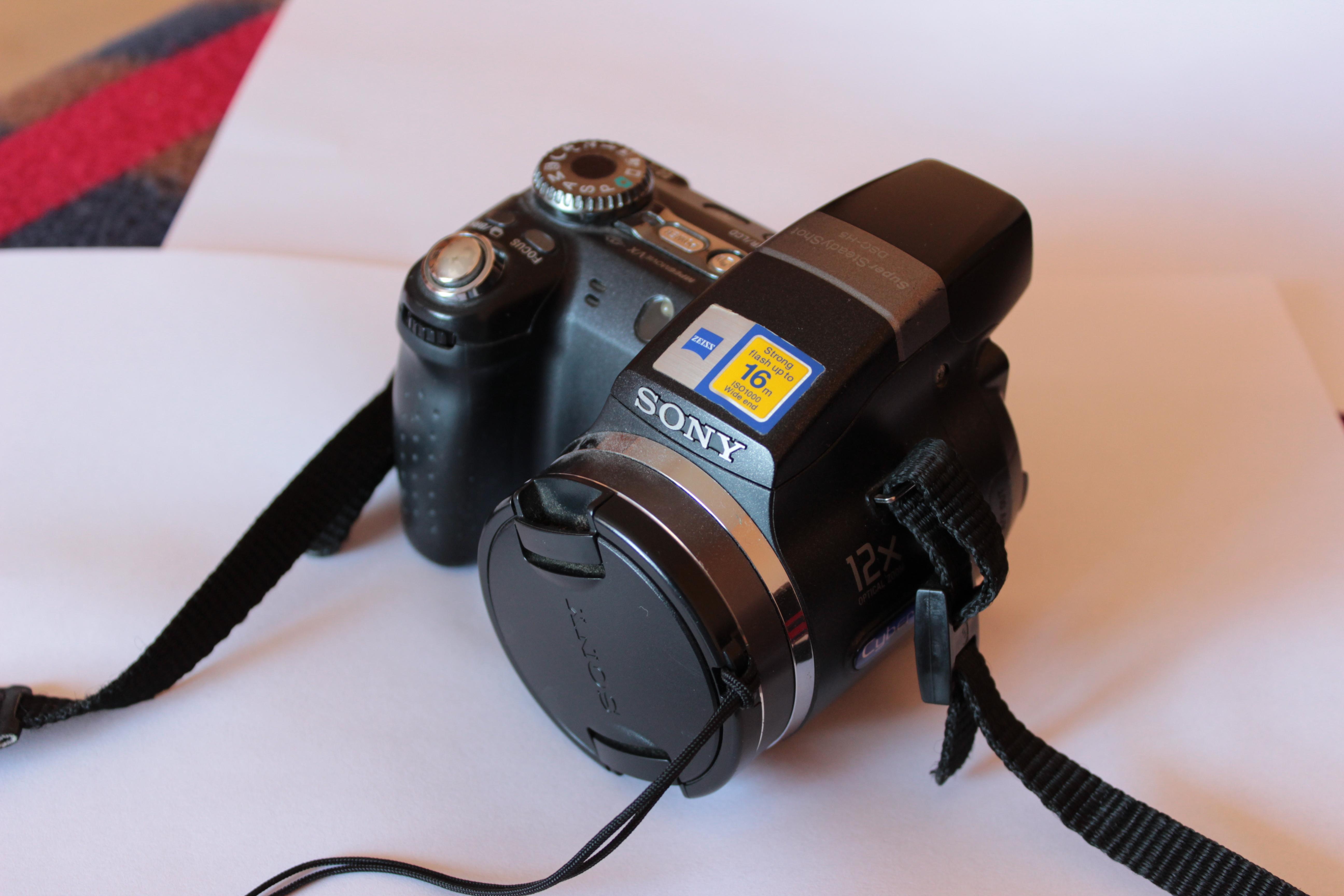 [Sprzedam] Aparat kompaktowy Sony H5