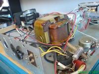 Klasyczny gramofon Unitra Fonica Bambino-4 talerz si� nie obraca, reszta dzia�a.