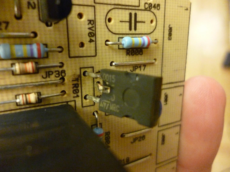 Triak w panelu steruj�cym - jak wymieni�, �eby nie wybuch�o